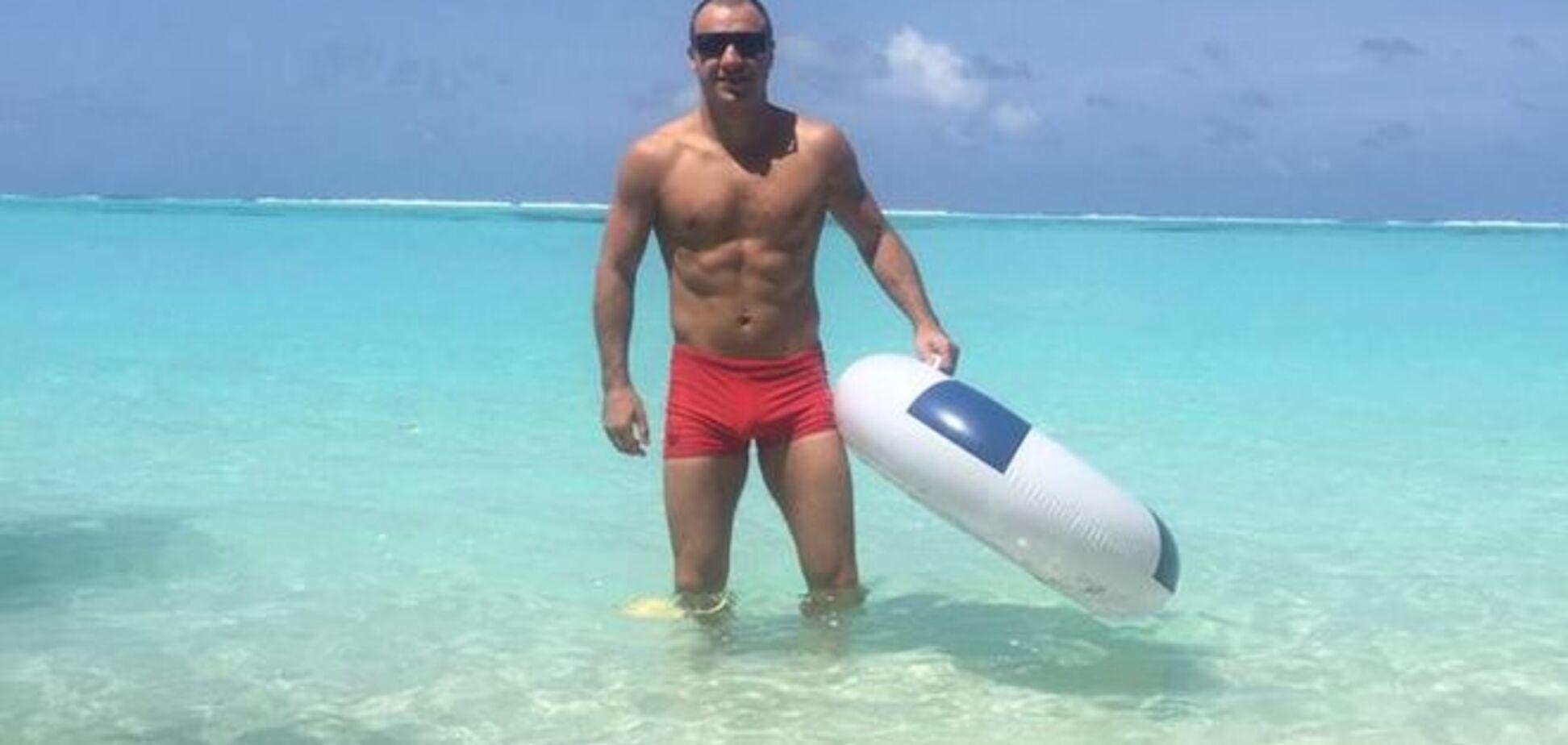 Известный украинский боксер похвастался яркими фото на Мальдивах
