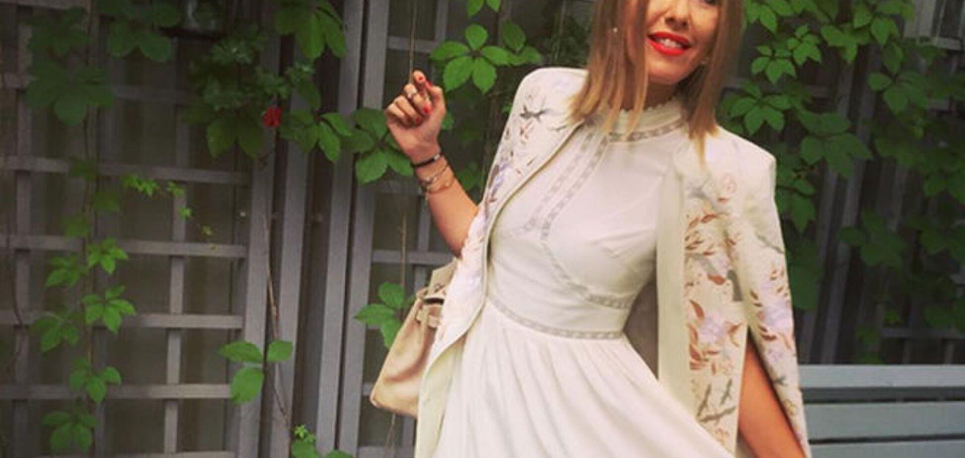 Собчак поразила элегантностью в белом стильном платье