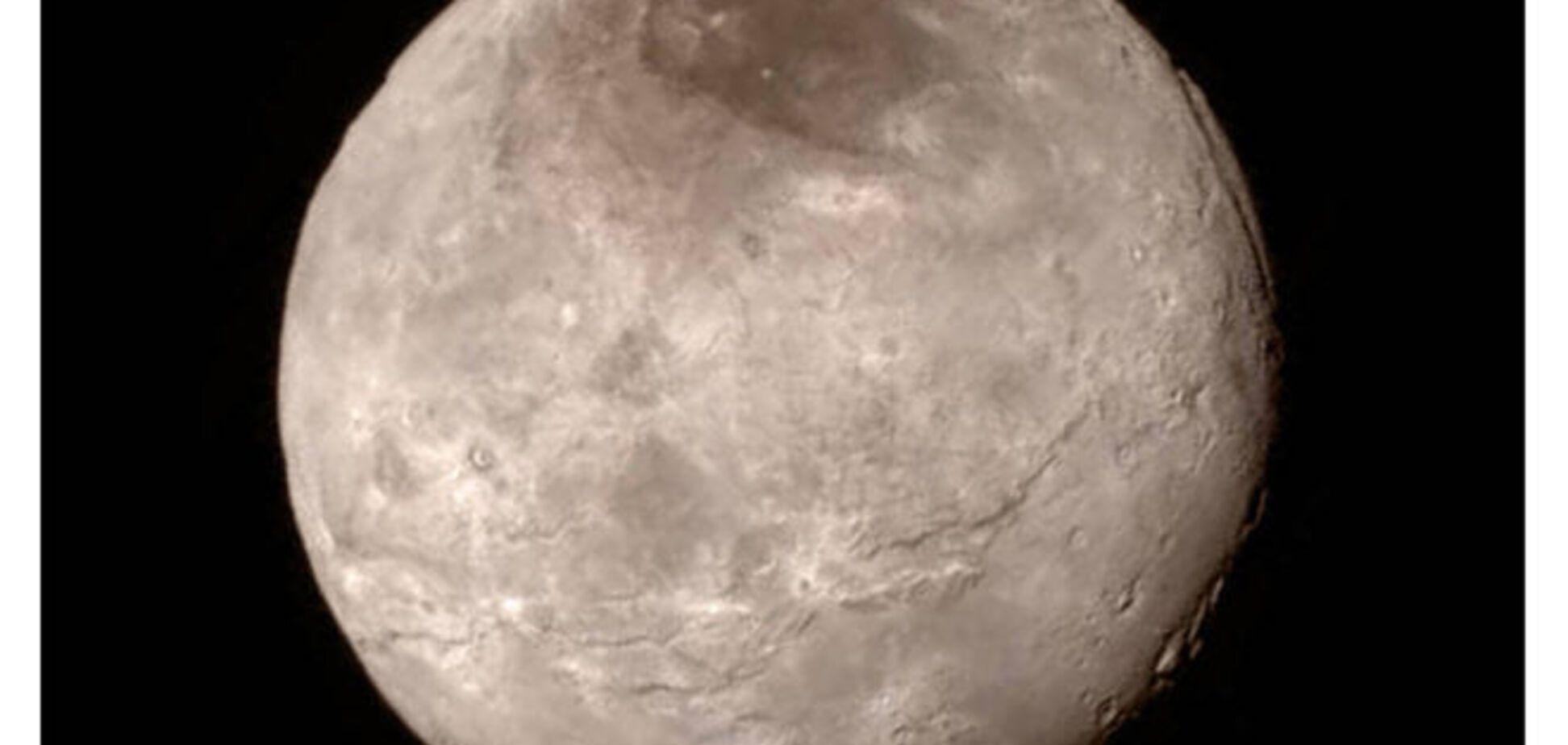NASA обнаружило на спутнике Плутона космический 'Мордор'