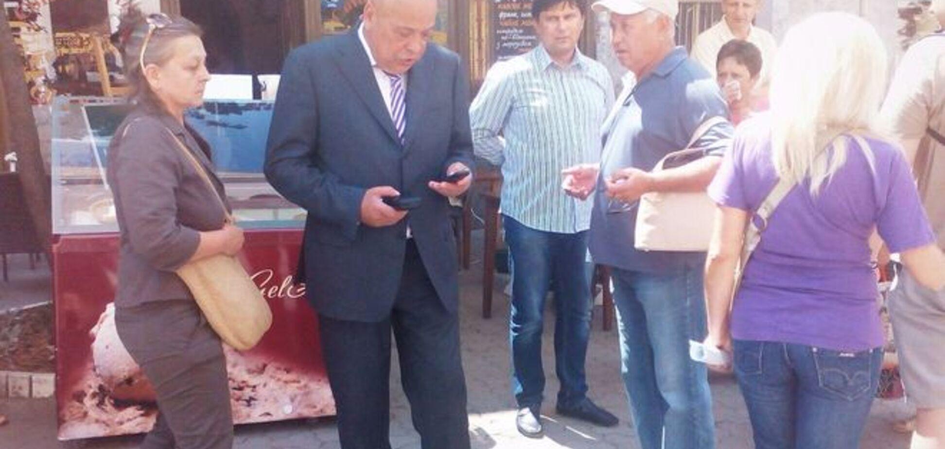Гнів і крики: Москаль у перший же день потрапив у епіцентр скандалу в Ужгороді, фотофакт