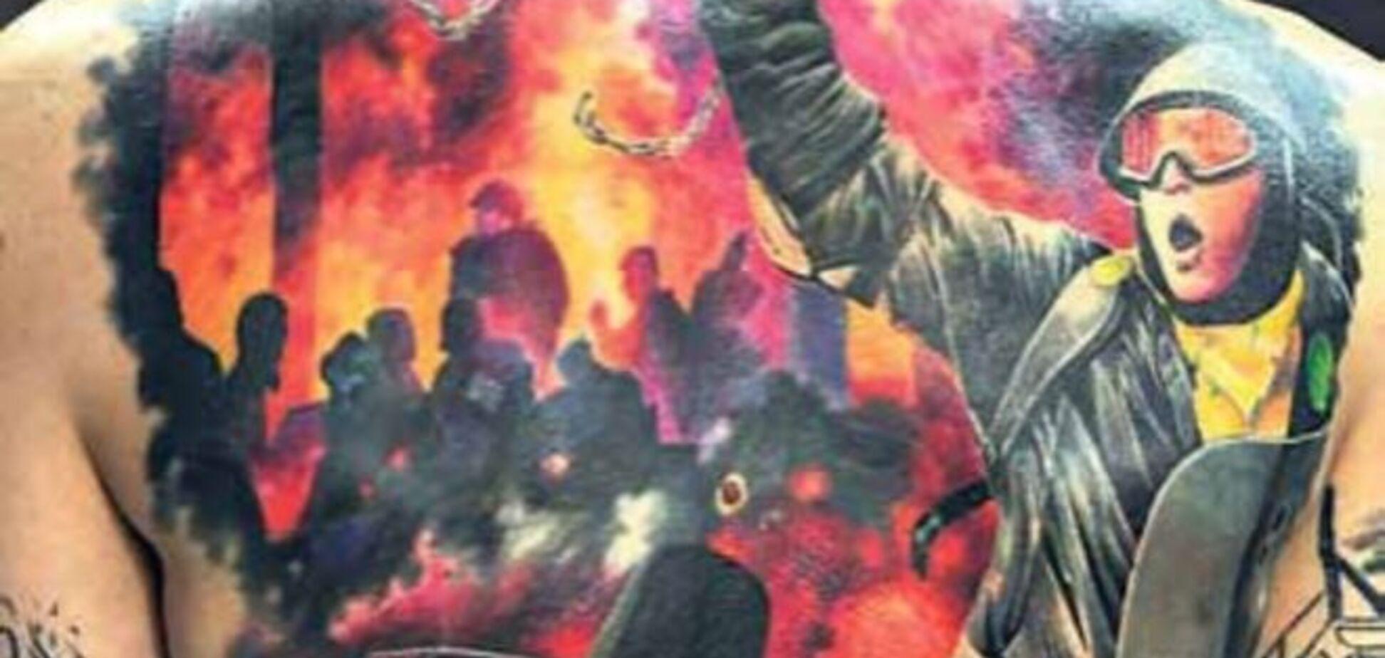 Бійці 'малюють' на тілі війну: фото приголомшливих патріотичних тату