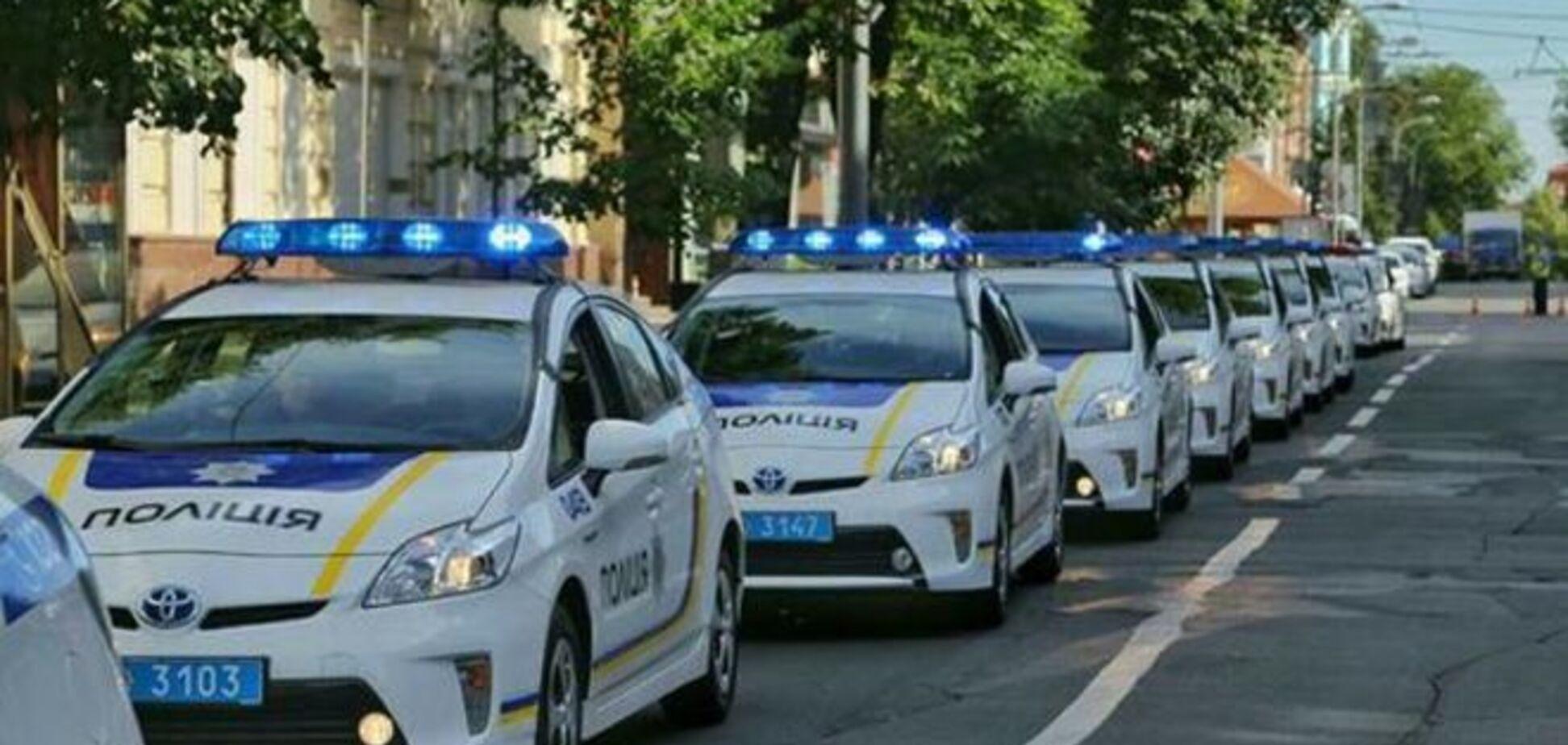 На охрану каждого района Киева бросили по 20 полицейских авто