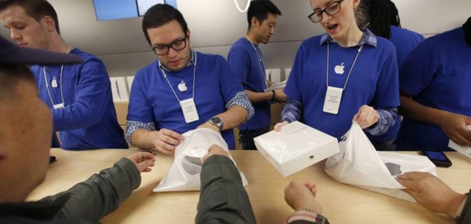 На 'Apple' подали в суд через принизливі огляди співробітників