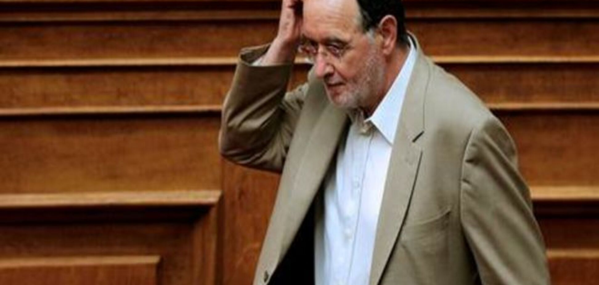 Ципрас переформатовує уряд після голосування щодо перемовин з кредиторами