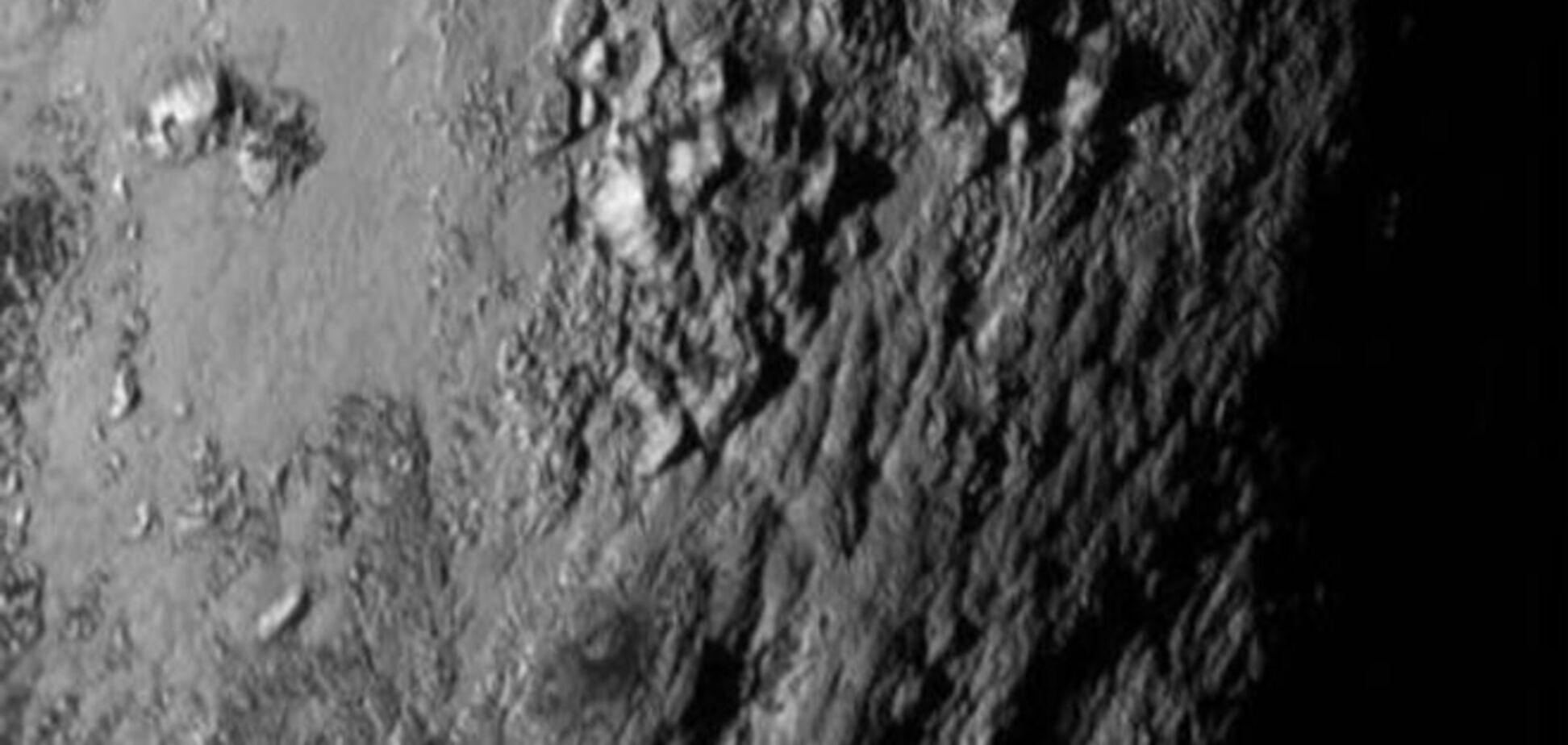 Зонд НАСА знайшов на поверхні Плутона велику закрижанілу ділянку