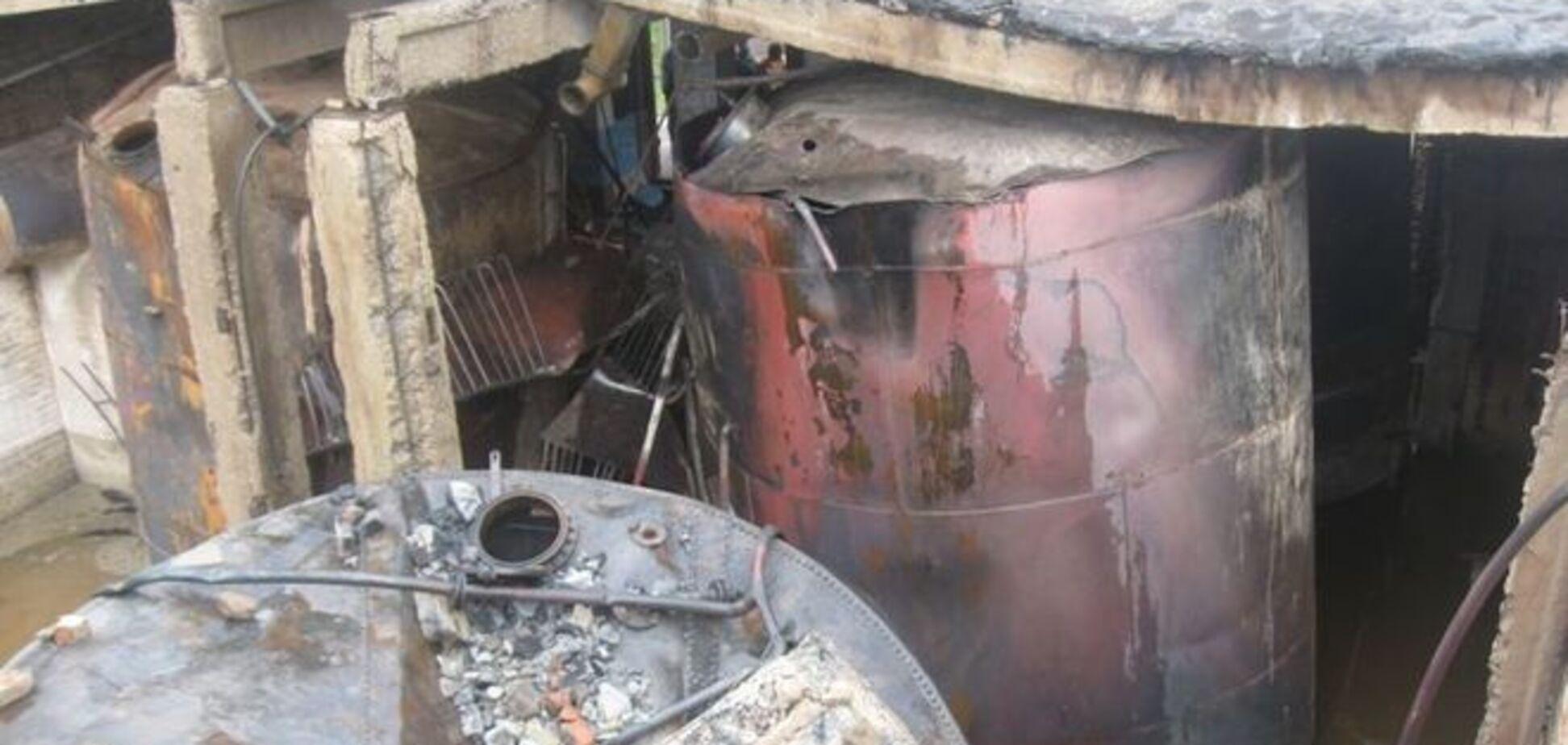 У Білорусі блискавка одним ударом знищила 110 тонн спирту: фоторепортаж