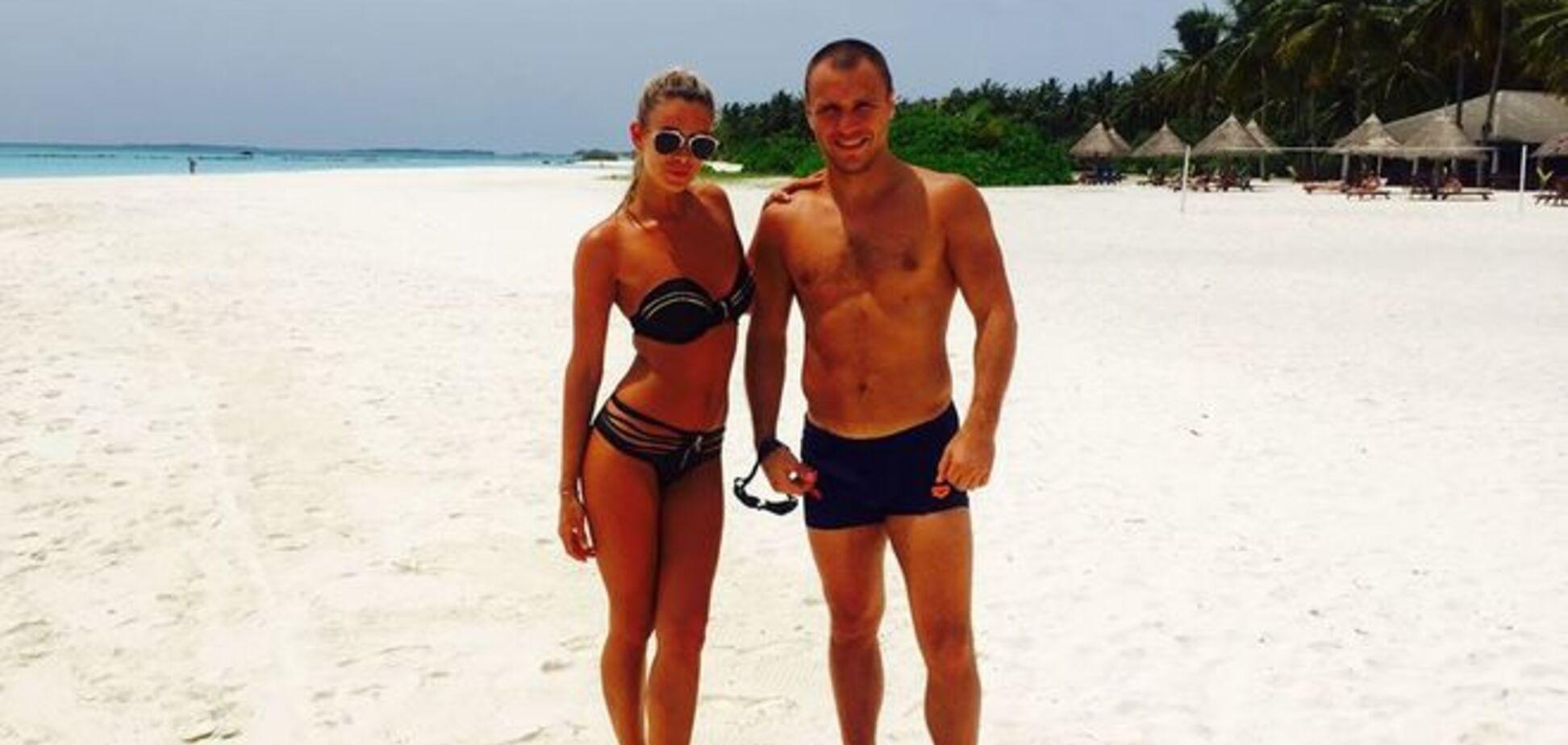 Украинский боксер похвастался жаркими фото со своей девушкой