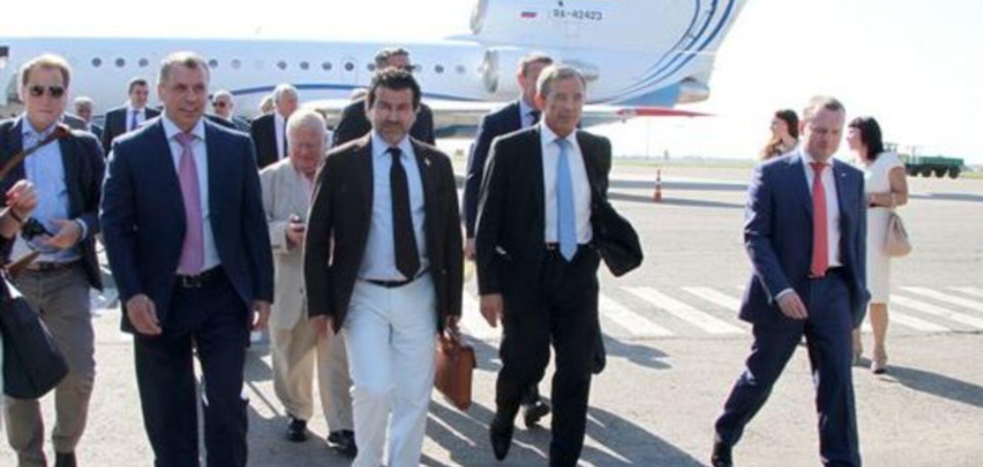 Французские 'друзья Путина' таки добрались до Крыма: фотофакт