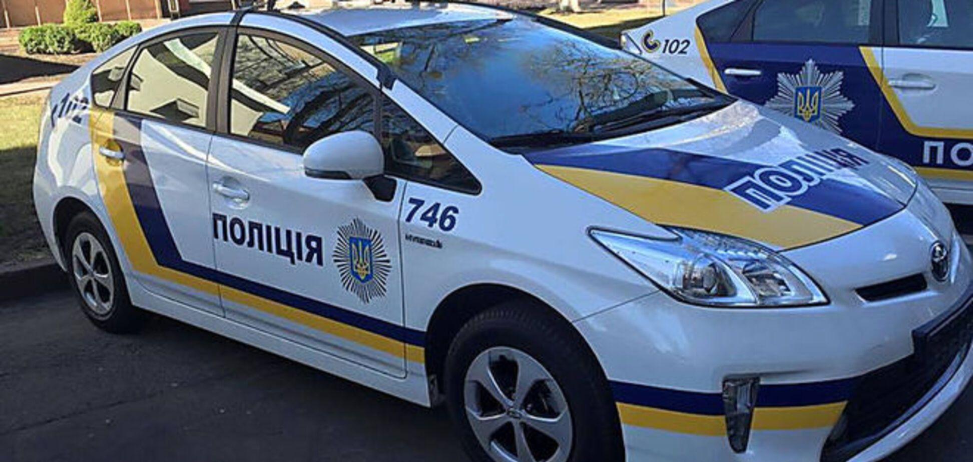 В Киеве полицейские потушили пожар ведром воды: фотофакт