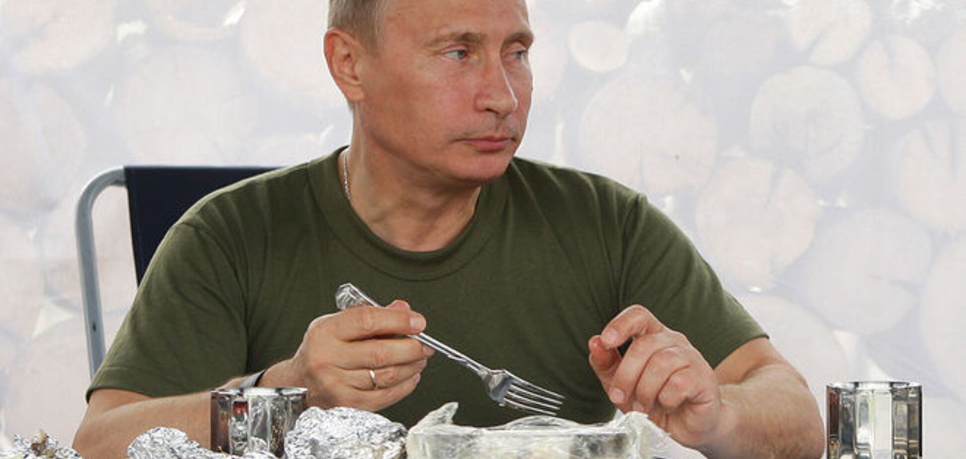 Съедят на таможне? Путин дал приказ уничтожать западные продукты питания