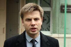 Пьяный Гончаренко ревизировал машины на выборах в Чернигове