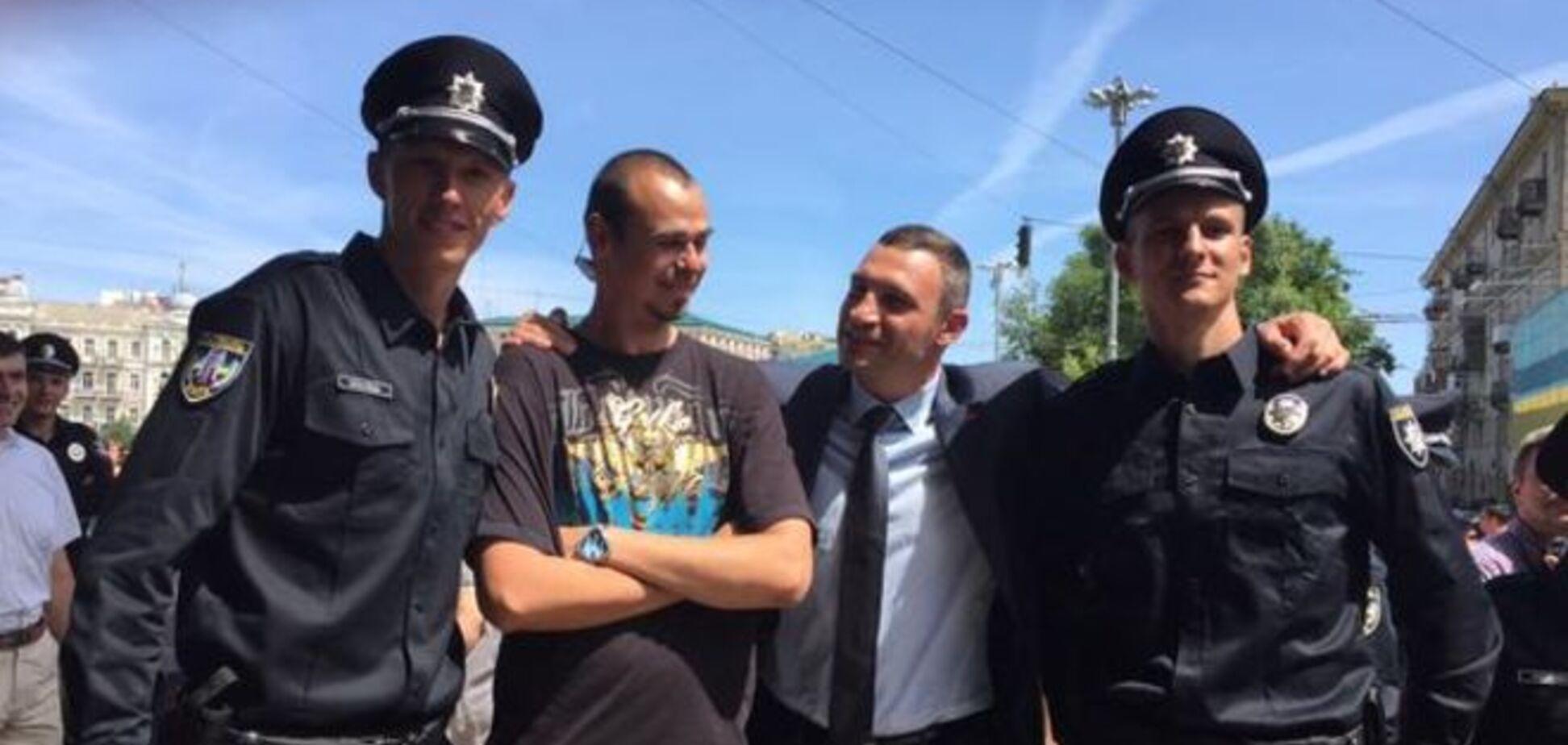 'Дяди Степы-великаны'. Киев будут патрулировать полицейские-богатыри: фотофакт