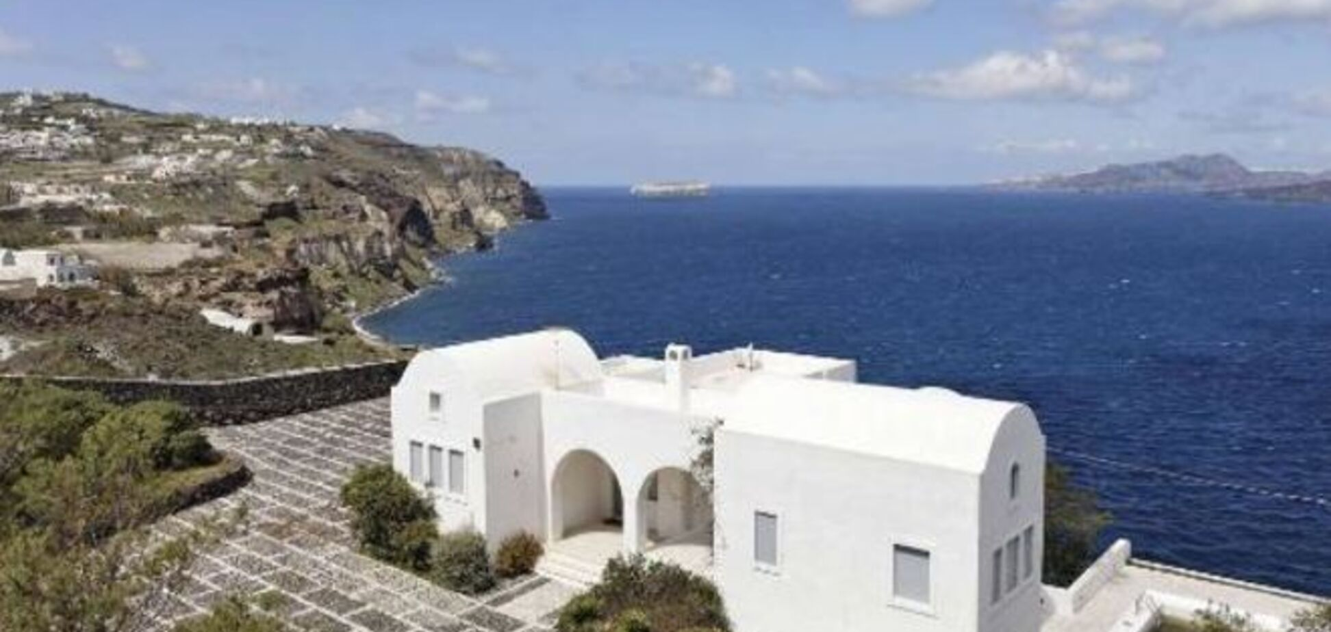 Підсуїтилися: росіяни кинулися до Греції скуповувати елітну нерухомість