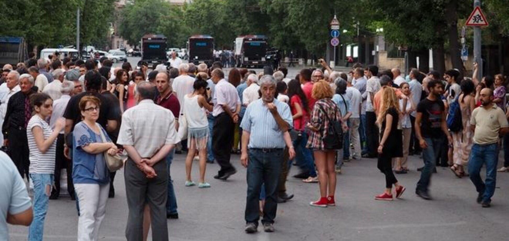 Протестующий Ереван глазами москвича