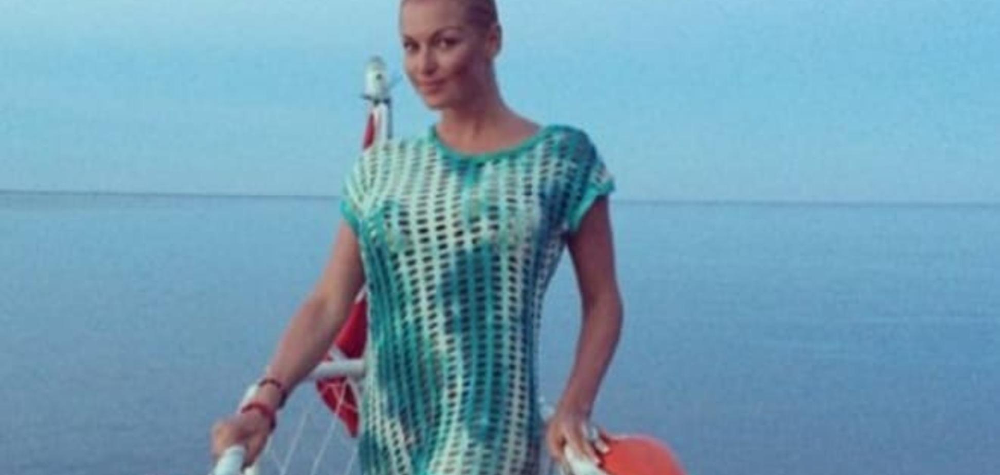 Бог на небе, а Россия на земле: Волочкова в Крыму 'тусила' с путинскими байкерами