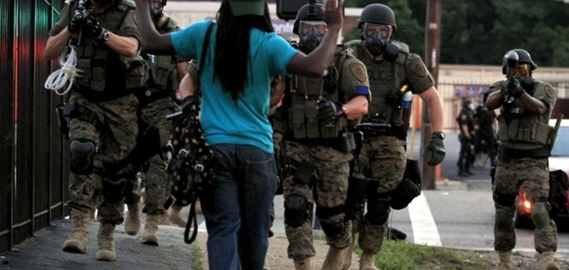 Нові заворушення у Фергюсоні: на 'мирному зібранні' постраждали троє поліцейських