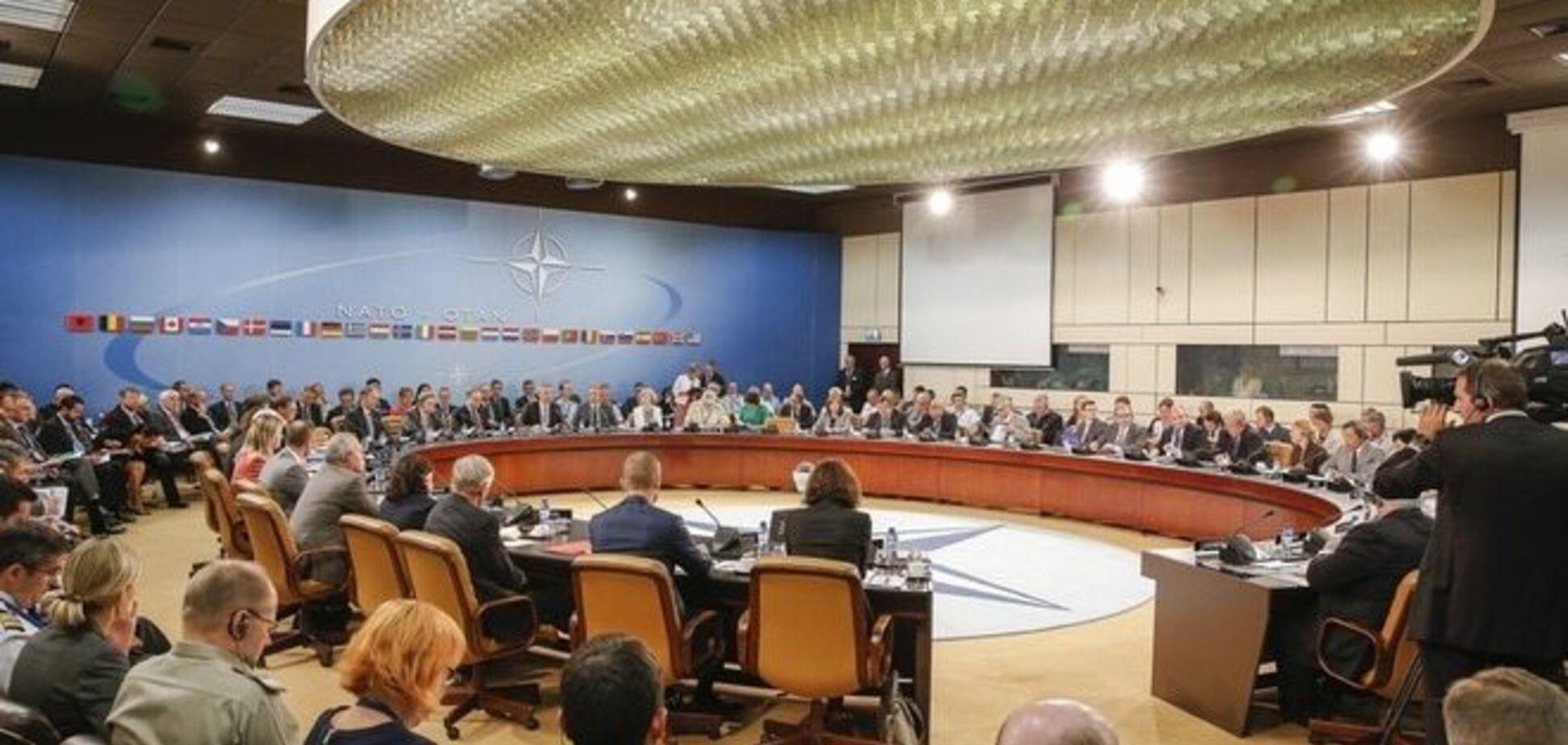 НАТО хоче знову дружити з Росією - експерт
