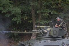 Генерал Гречанінов пояснив, що утримує Путіна від великого наступу