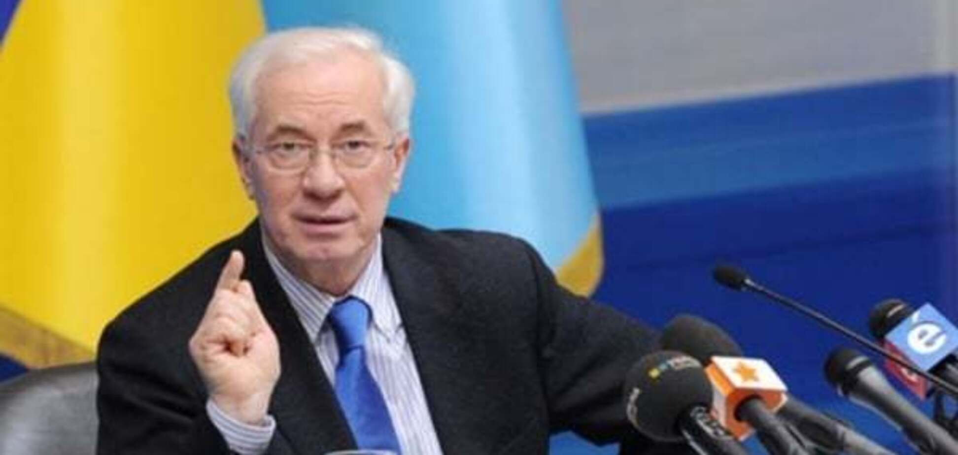Абсурду нет предела: в России Азарова назвали агентом США, которого привезут в Киев на танках