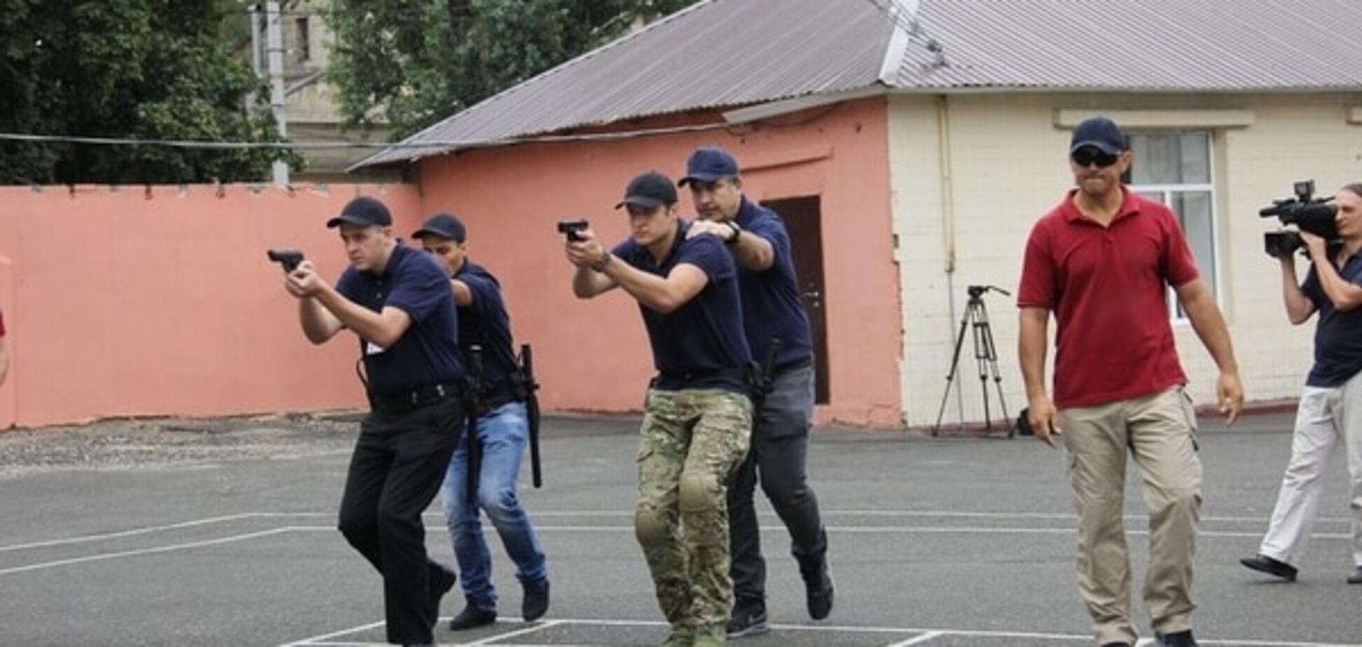 Саакашвили показал новых одесских полицейских