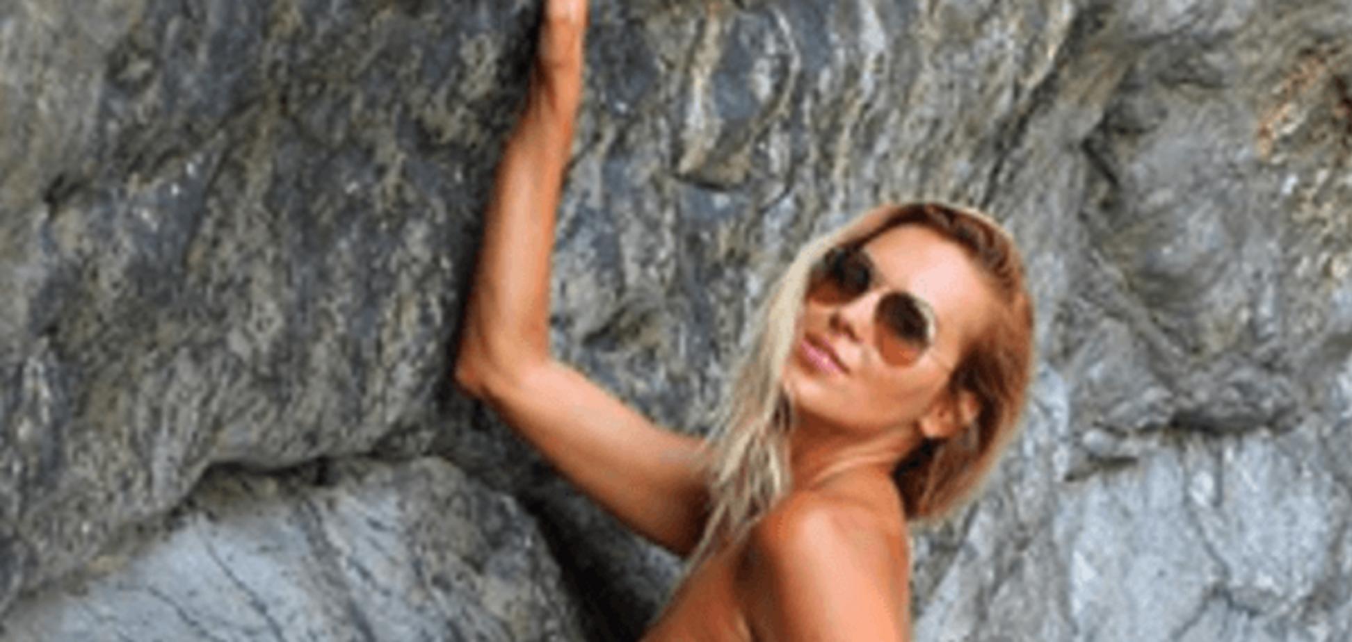 Сексапильная Яна Клочкова показала упругое и загорелое тело в купальнике