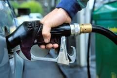 Нефтяное падение: почему не падают цены на бензин в Украине