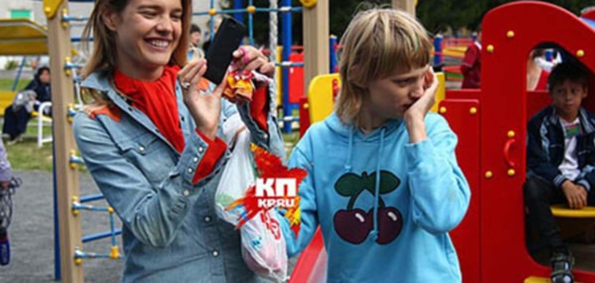 Мать Водяновой и оскорбивший сестру модели сотрудник кафе отказались от взаимных претензий