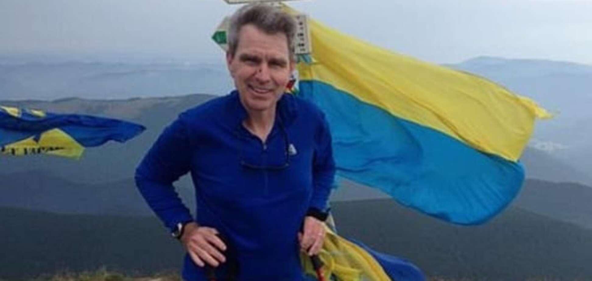 Посол США Пайєтт назвав улюблене українське слово і розповів про подорож у Карпати