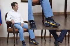 При выборе руководства страны обратите внимание на обувь