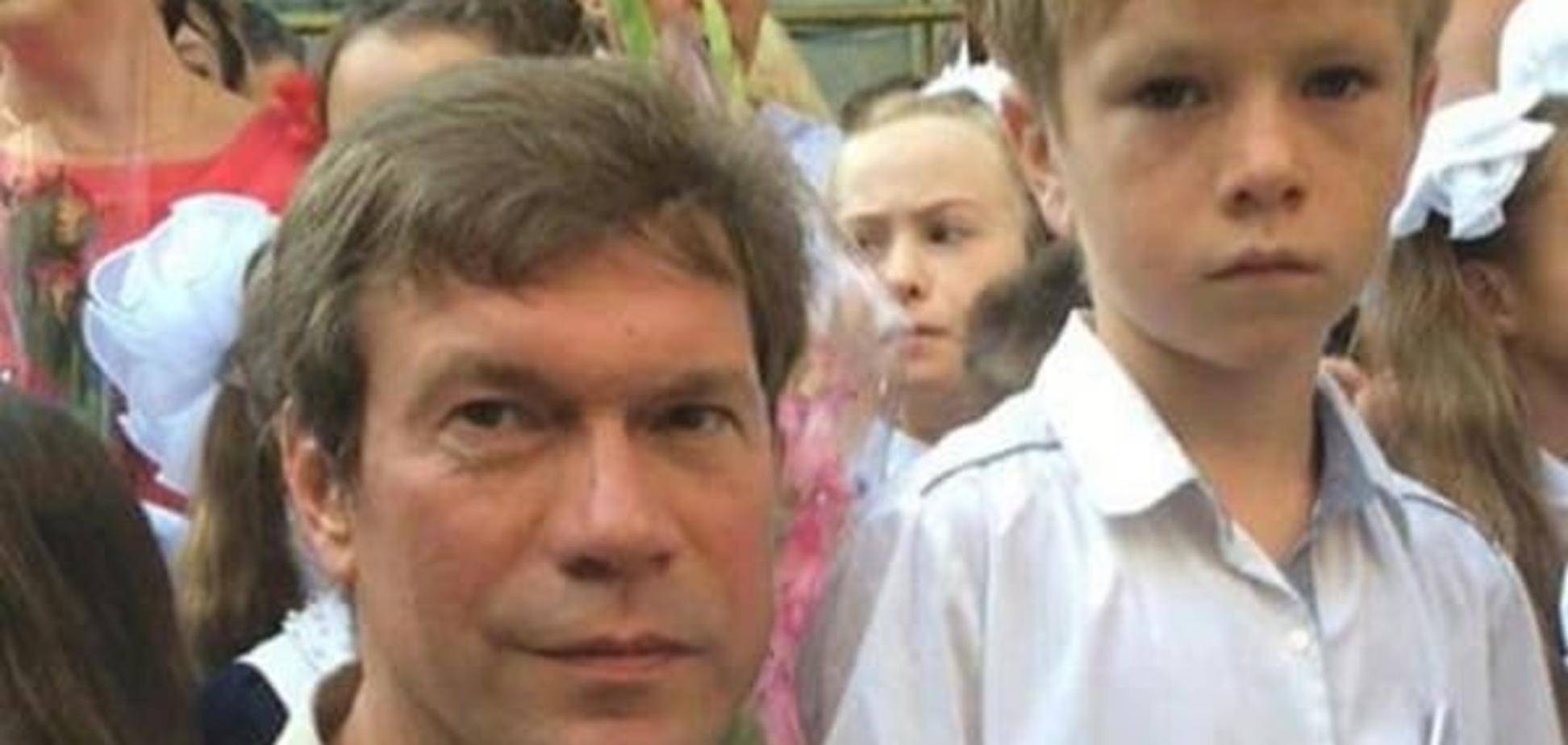 В сети затроллили фото Царева с сыном: почему школа не в 'Новороссии'?