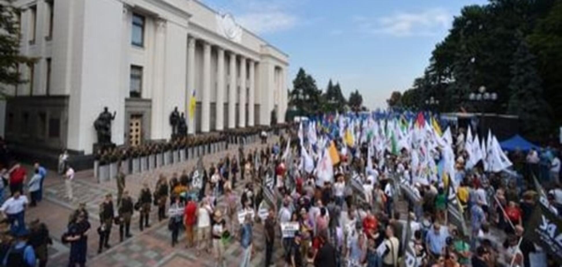 Демократическая коалиция в Украине: период полураспада?