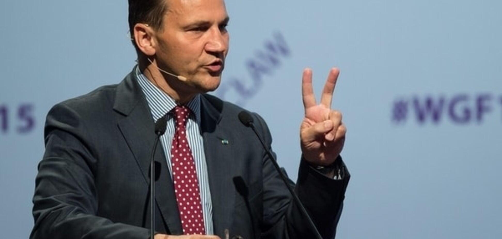 Сикорский похвалил власти Украины за повышение тарифов на газ