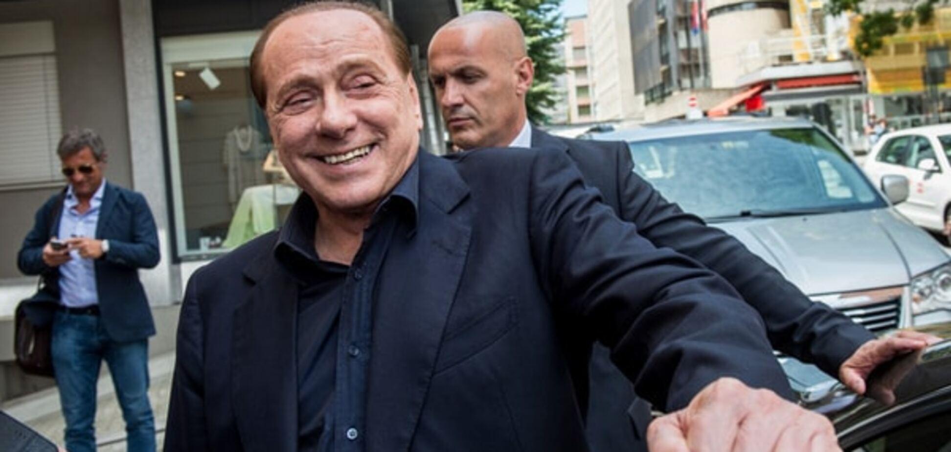 СМИ: Берлускони прилетел в оккупированный Крым