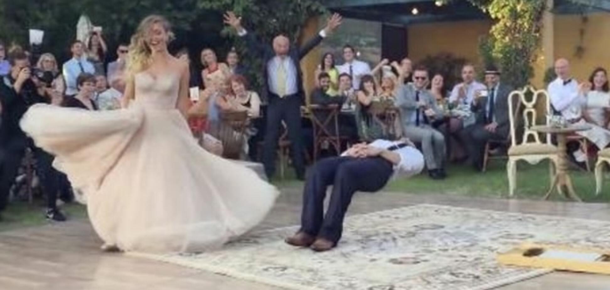 Чудеса левітації: магічний весільний танець підірвав мережу. Відеофакт