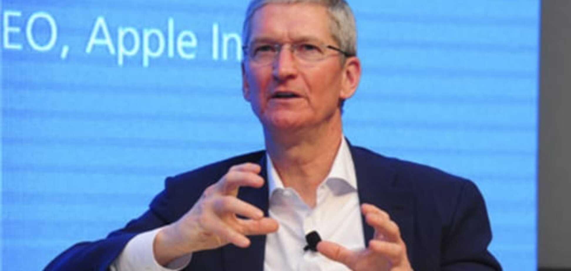 Глава Apple відверто розповів про геїв, Джобса і iPhone: опубліковано відео