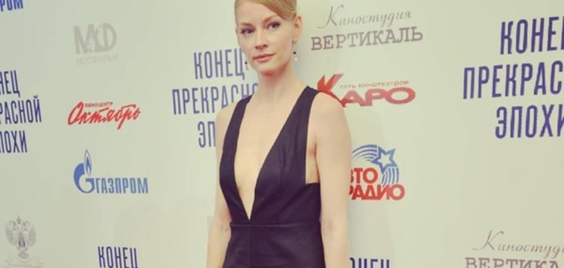 Светлана Ходченкова шокировала худобой и слишком откровенным декольте