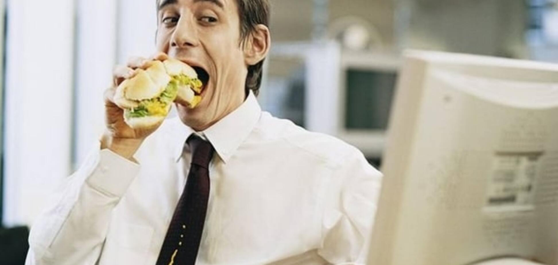 Ученые рассказали, почему офисные сотрудники имеют проблемы с печенью
