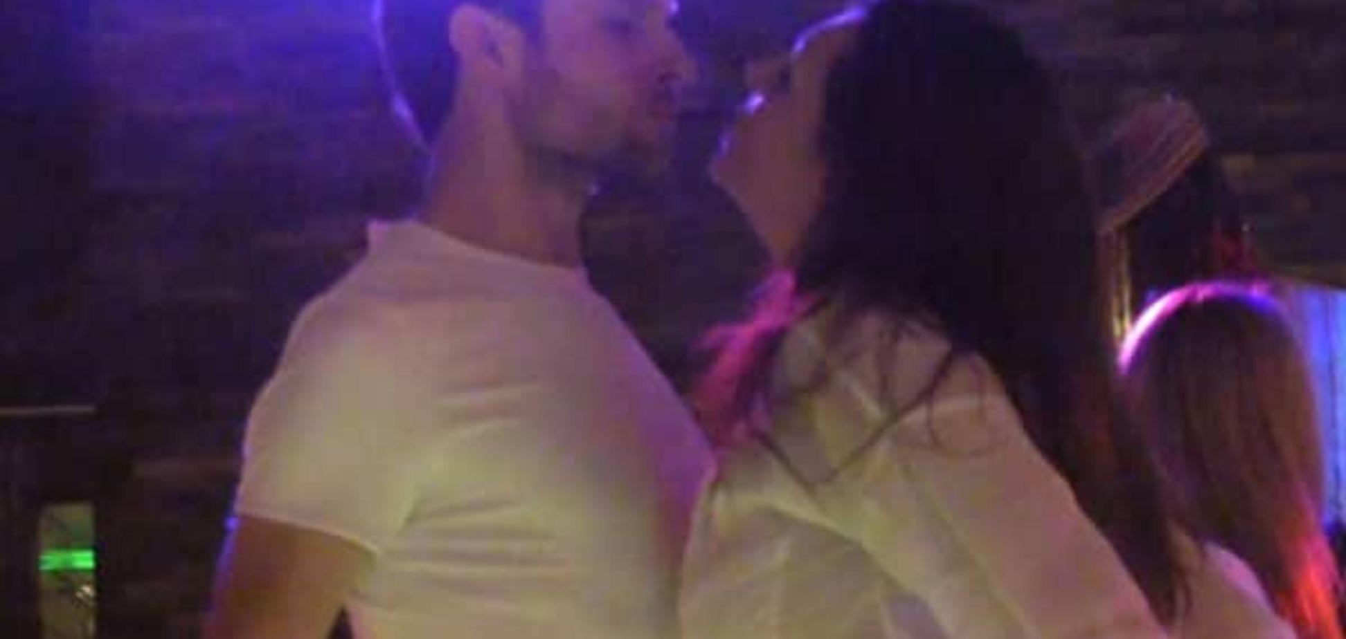 Наталью Бочкареву застукали за поцелуями с женатым звездой 'Глухаря': видеофакт