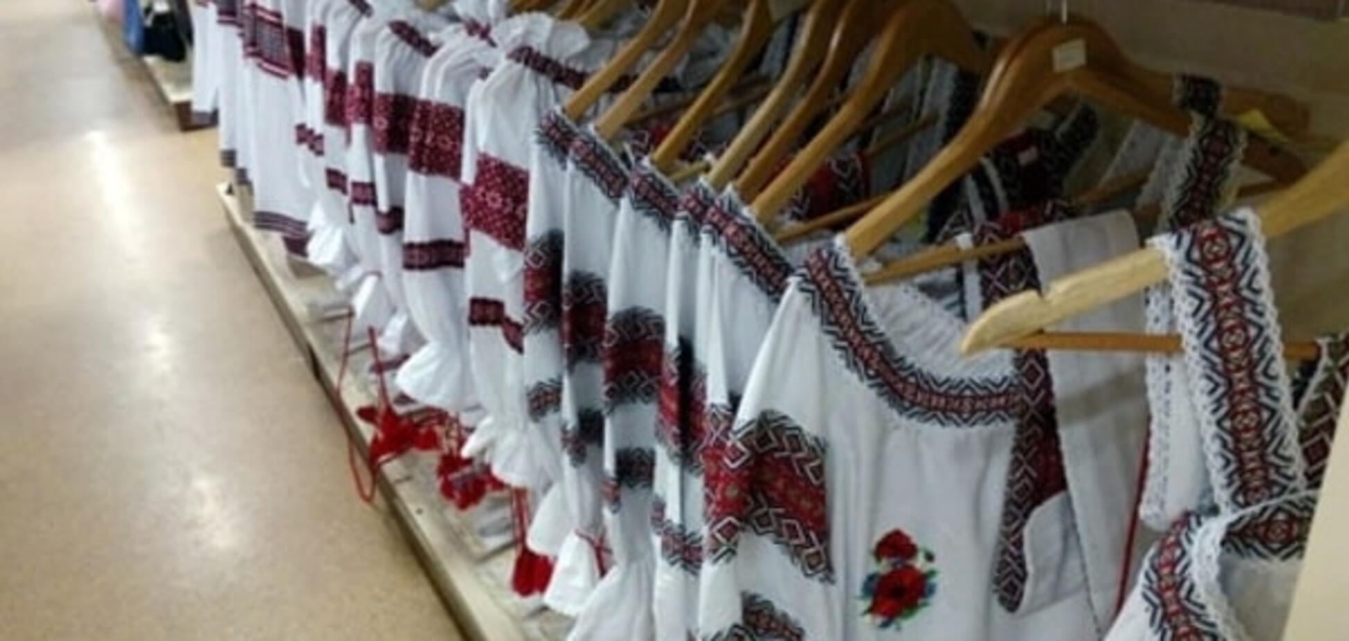 Продавщиця в Донецьку: сьогодні бум! Всі купують вишиванки