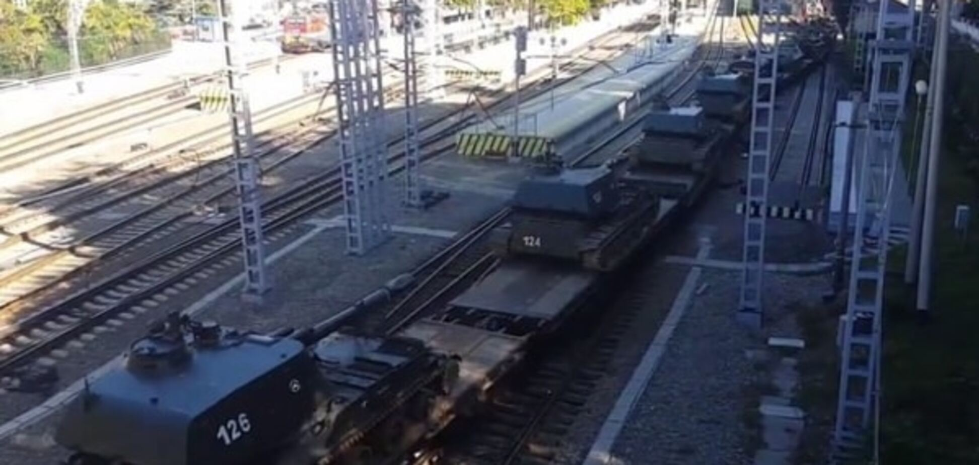 Россия начала спешно перебрасывать войска из Абхазии: опубликованы фото и видео