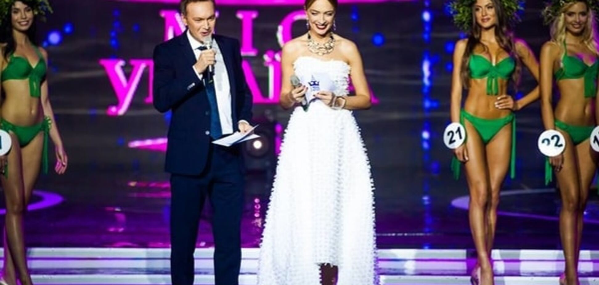 Звезды выгуляли на 'Мисс Украина' модные наряды: знойная Эрика Герцег и сексуальная Винницкая