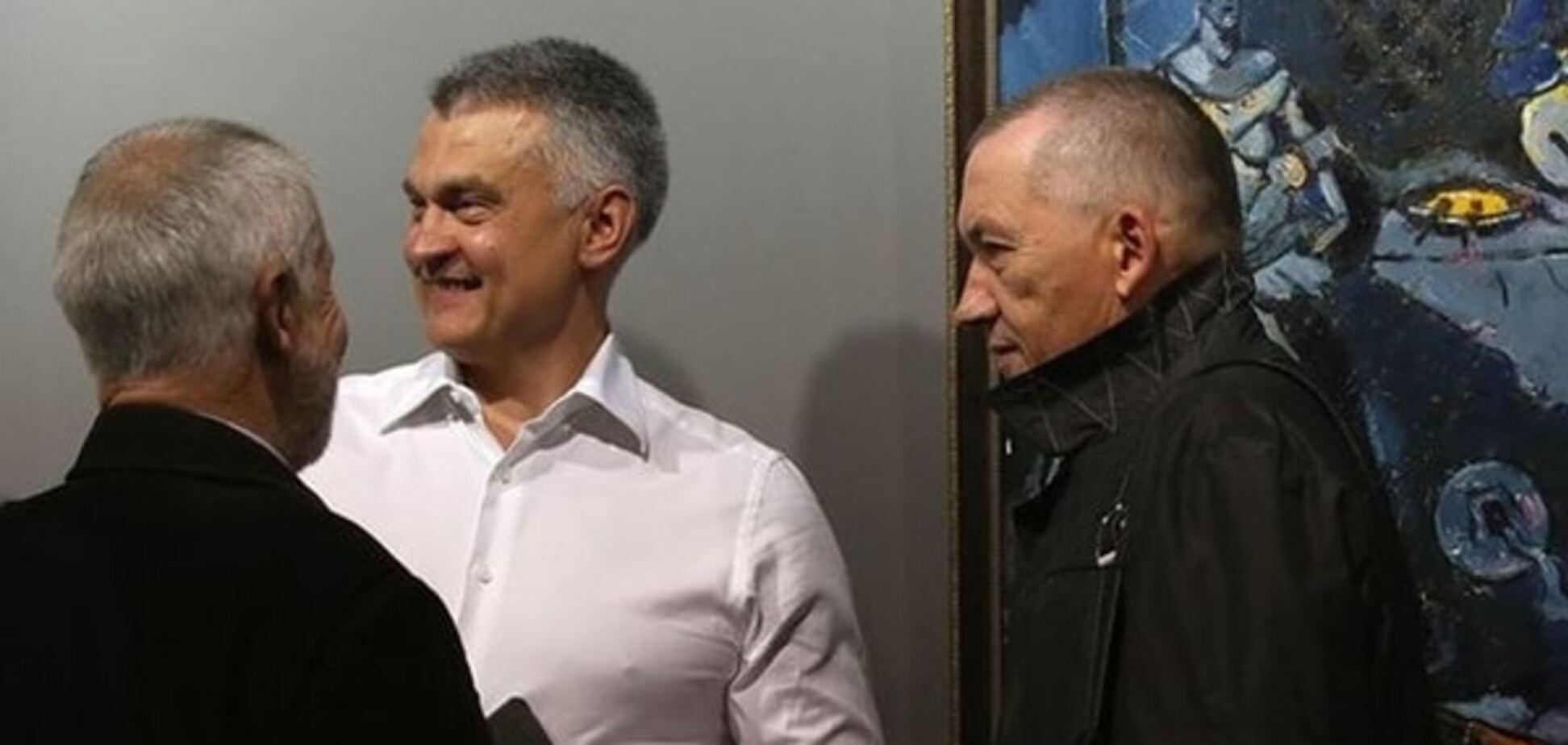 Беглый соратник Януковича открыл в Минске крупную галерею: опубликованы фото