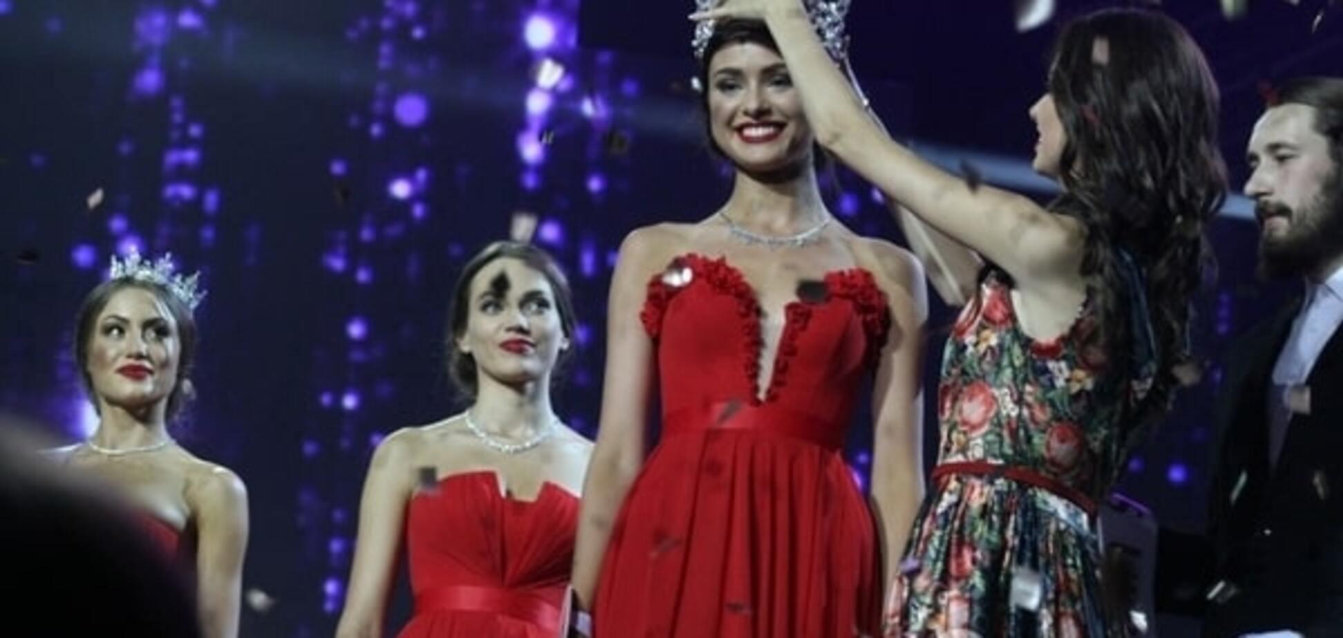 Как короновали 'Мисс Украину-2015': VIP-гости, яркое шоу Огневич и глава жюри в коротком мини