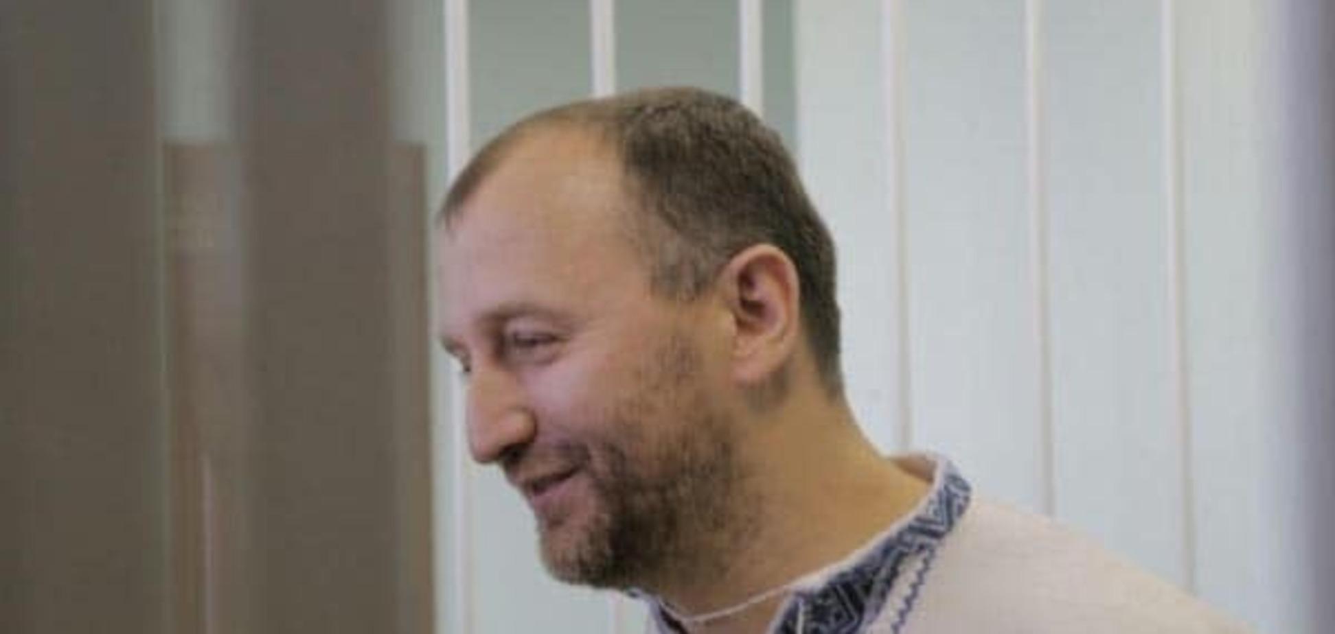 У будинку 'свободівця' Сиротюка провели обшук: адвокатів не пустили