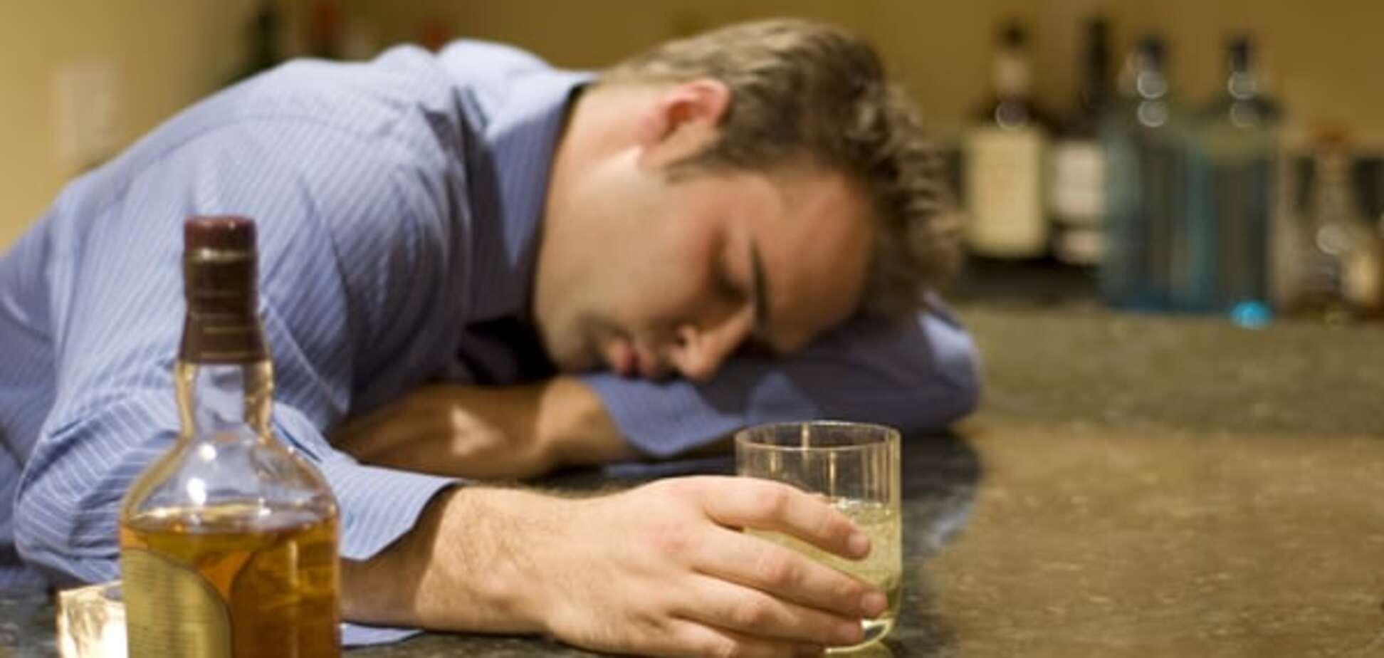 Ученые определили, как у человека развивается алкоголизм