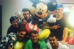 Футболіст 'Динамо' організував яскравий день народження з Міккі-Маусом: забавні фото