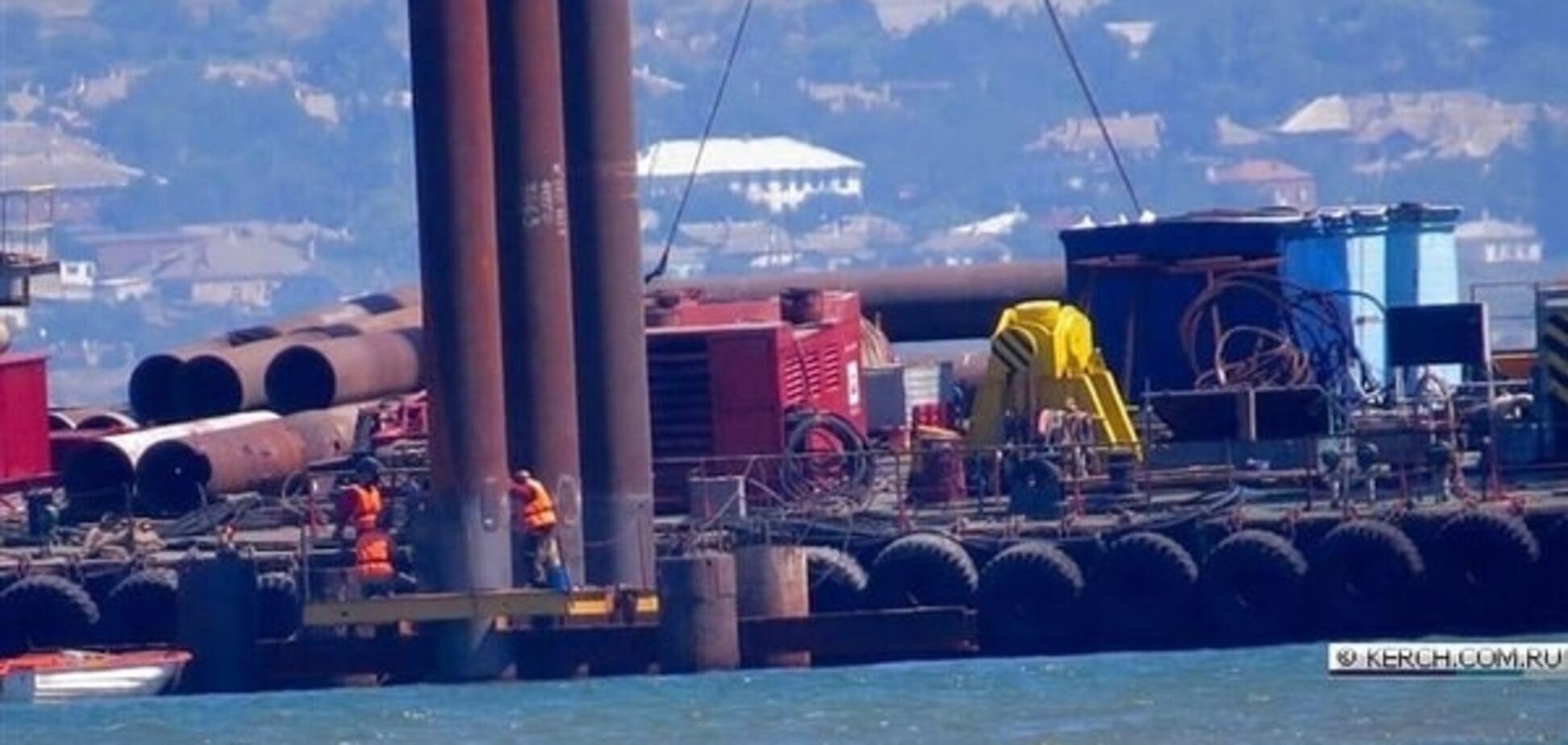 'Дебилыб***!' Строители Керченского моста утопили в проливе 150 свай