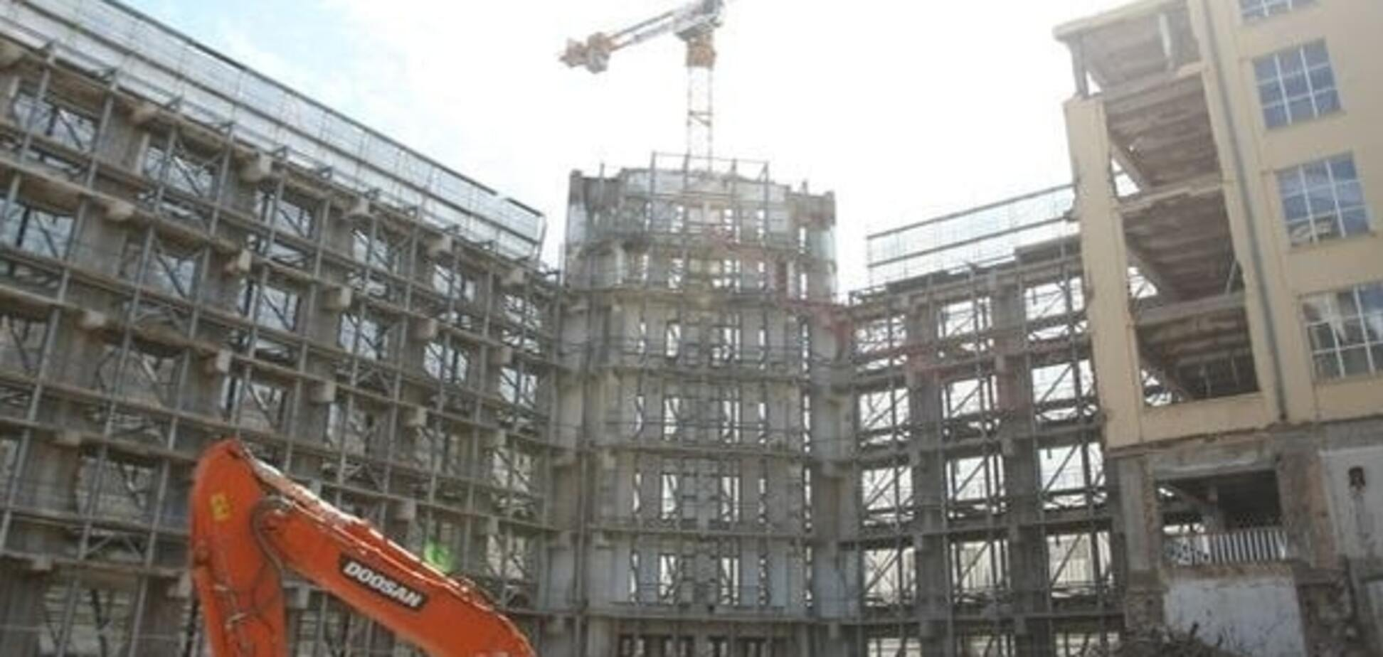 На строительстве киевского ЦУМа едва не погиб рабочий