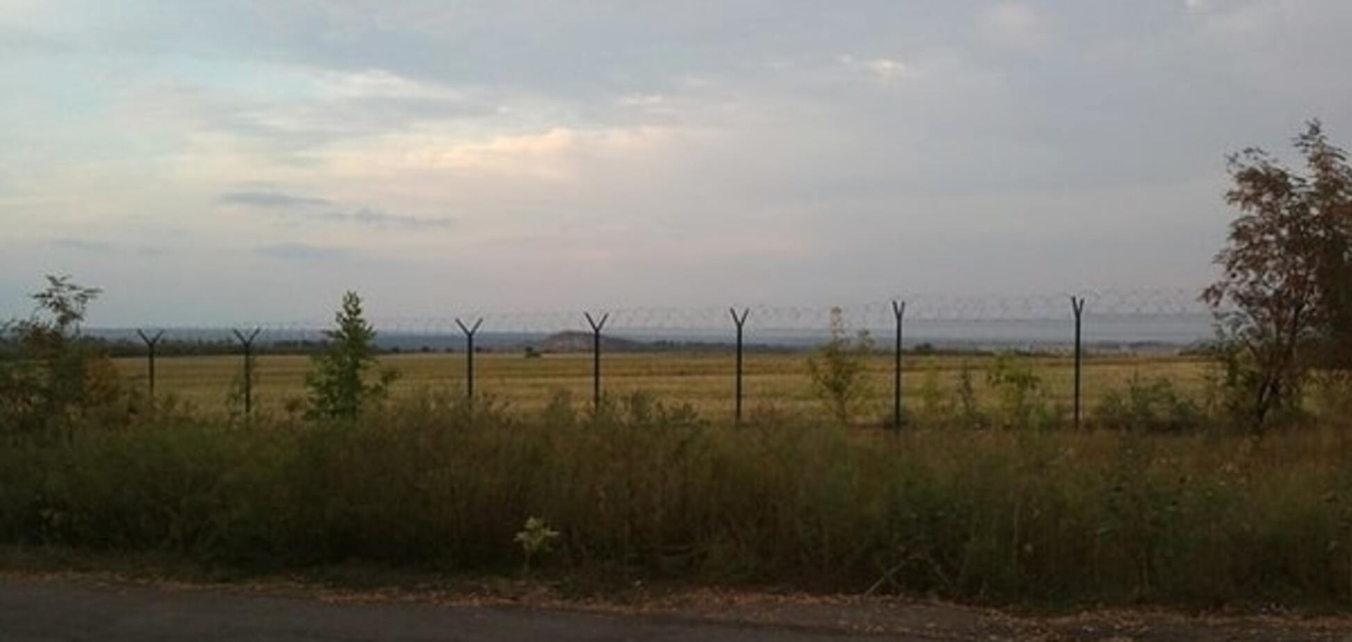 Россия 'предохранилась' от 'ЛНР' забором. Опубликованы фото