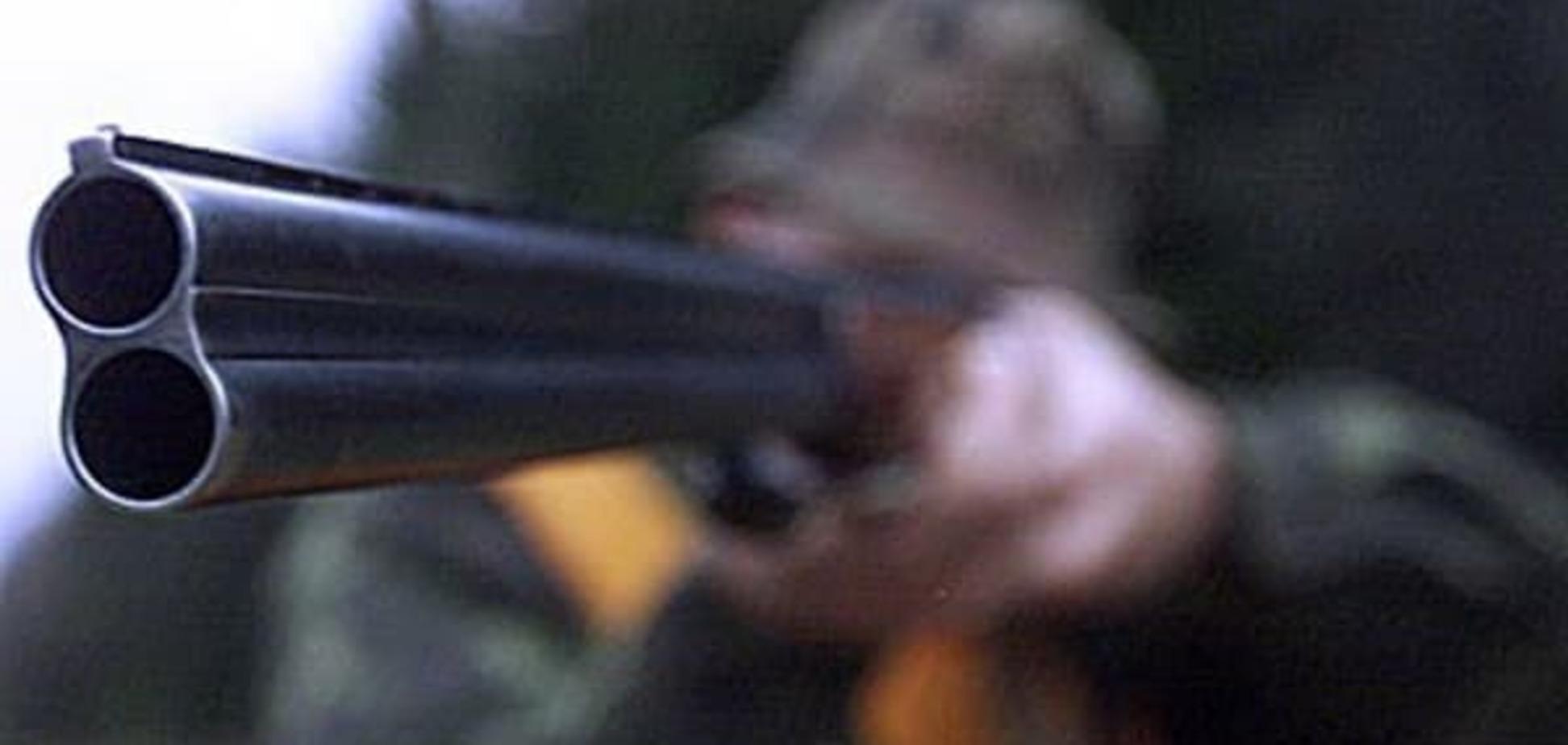 Новорічне сафарі: у Києві чоловік напав на поліцейських із рушницею